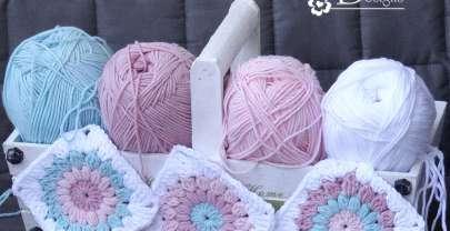 Цветни одеялца на една кука
