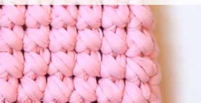 Как се плете кръстче нисък пълнеж на една кука (видеоурок)